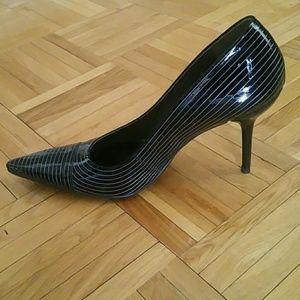 SALE!!! BCBG Dress Heel Pumps sz 37